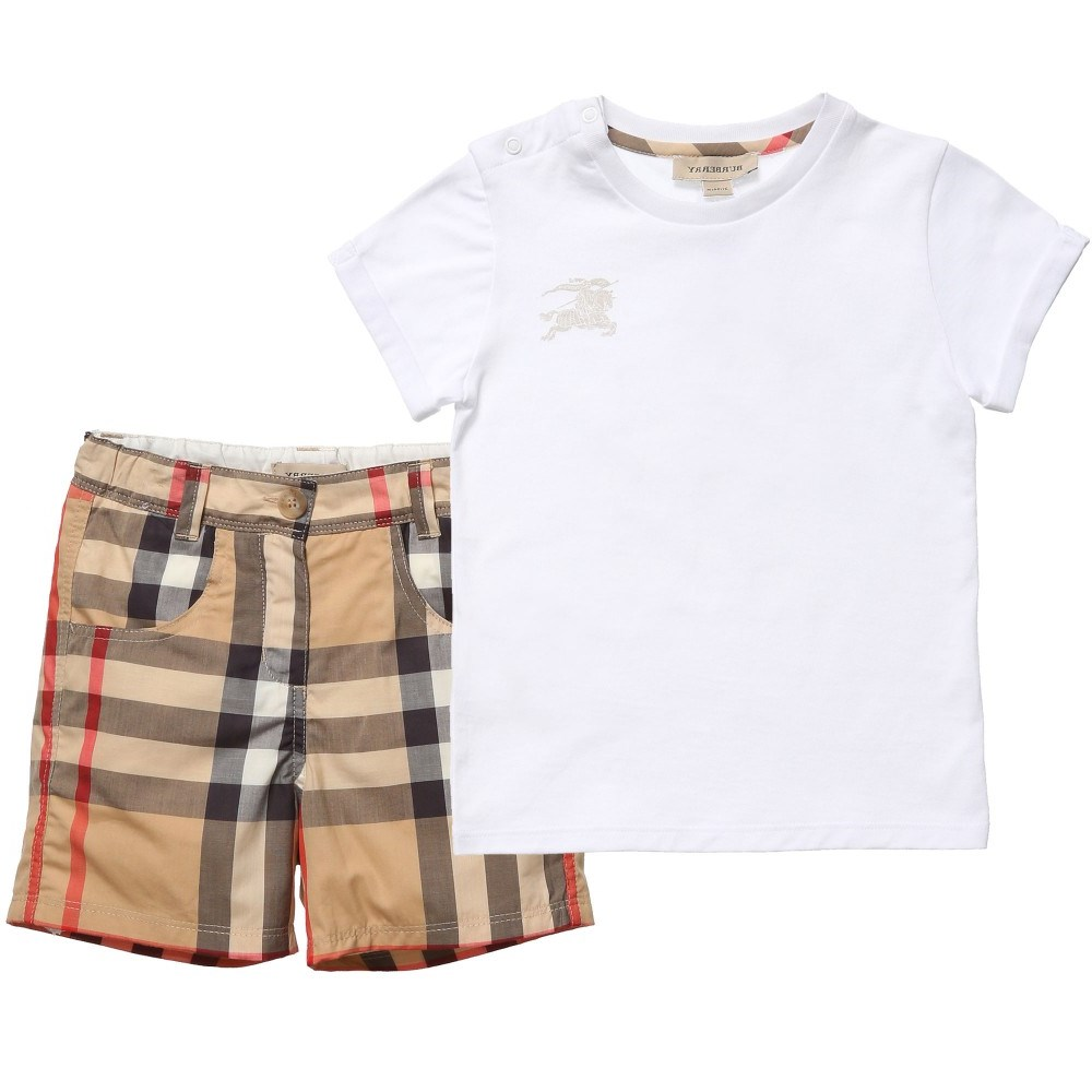 0938f4edba17f BURBERRY Boys White T-Shirt   Classic Check Shorts Set - Children ...