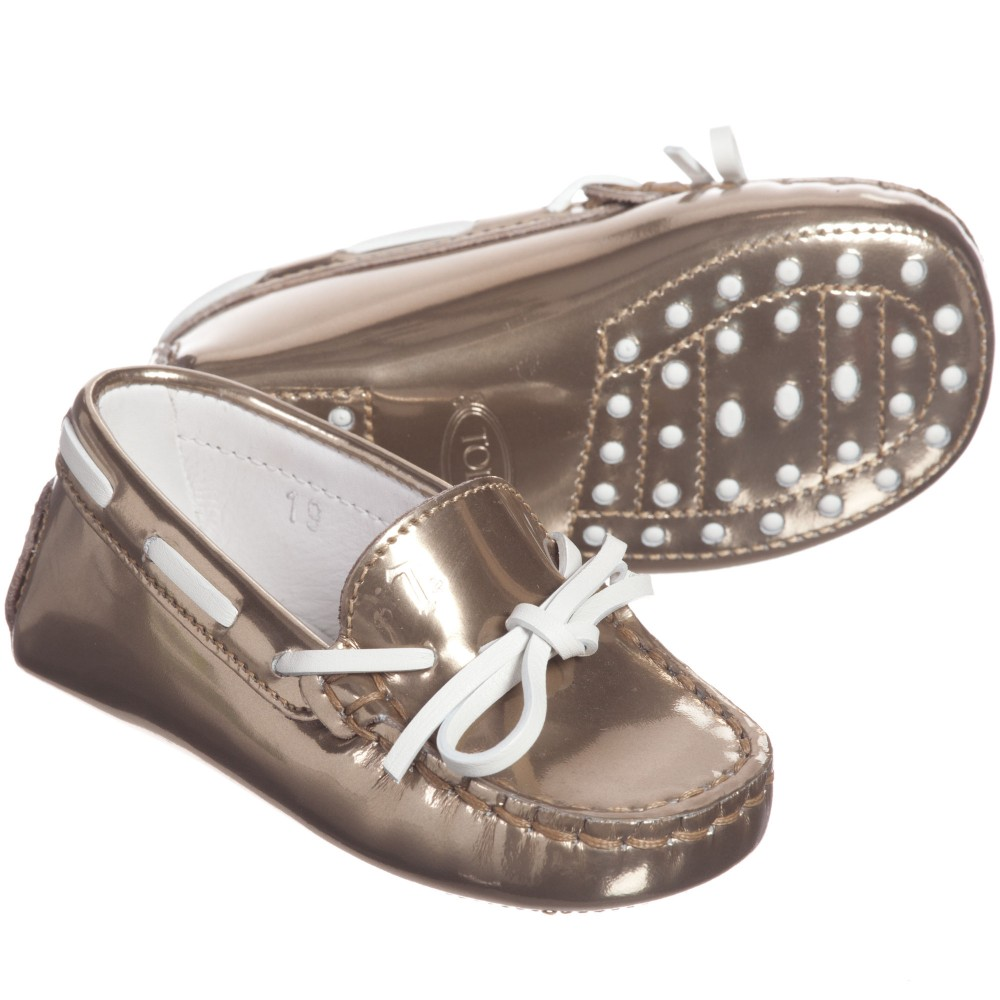 tods-baby-girls-gold-leather-gommino-moccasins-1